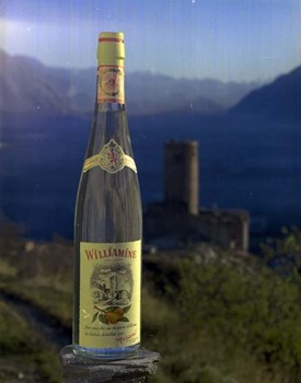 Early 1980s advert for Williamine® - Showing La Bâtiaz Castle in Martigny, which featured on the label until 2012.